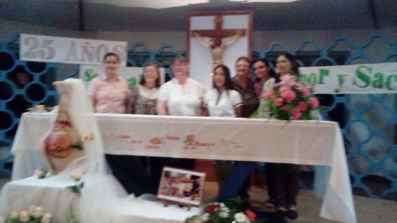 bodas-de-plata-de-consagracin-religiosa-de-cristina-marta-grilj_42809545064_o