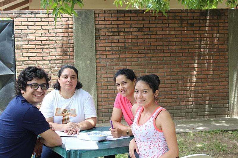 encuentro-con-los-jvenes-en-bolivia_31904337264_o
