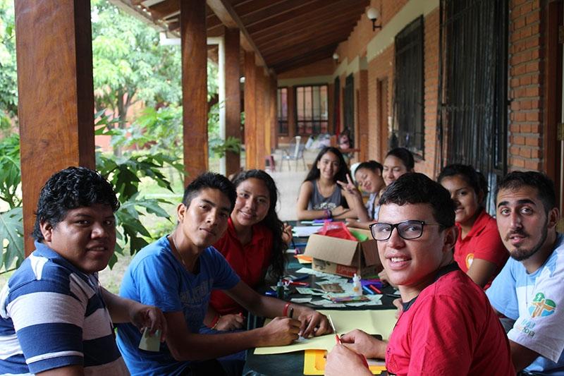 encuentro-con-los-jvenes-en-bolivia_31932711763_o