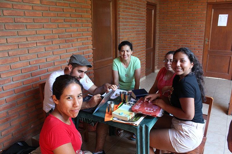 encuentro-con-los-jvenes-en-bolivia_31932888483_o