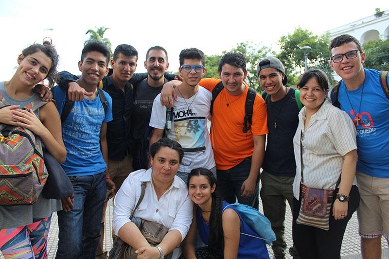 encuentro-con-los-jvenes-en-bolivia_31933021183_o