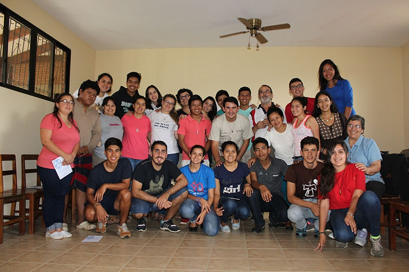 encuentro-con-los-jvenes-en-bolivia_32623894811_o