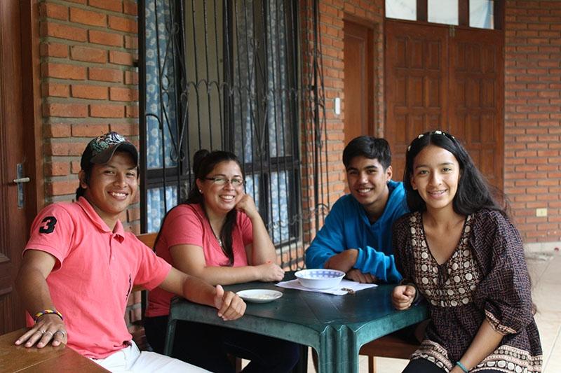 encuentro-con-los-jvenes-en-bolivia_32706636266_o