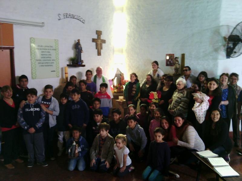 en-reja-grande-celebrando-a-francisco-y-maria-ana_37337807700_o