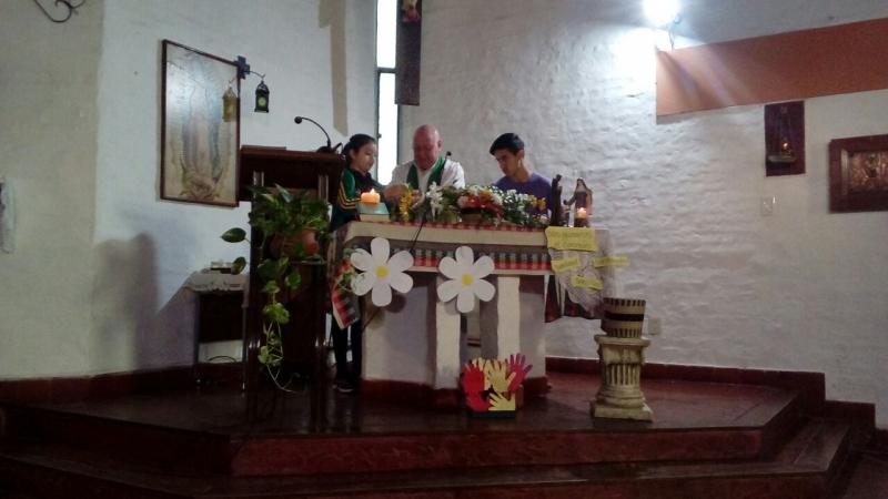 en-reja-grande-celebrando-a-francisco-y-maria-ana_37337812840_o