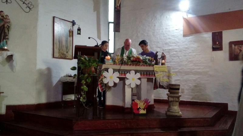 en-reja-grande-celebrando-a-francisco-y-maria-ana_37547384716_o