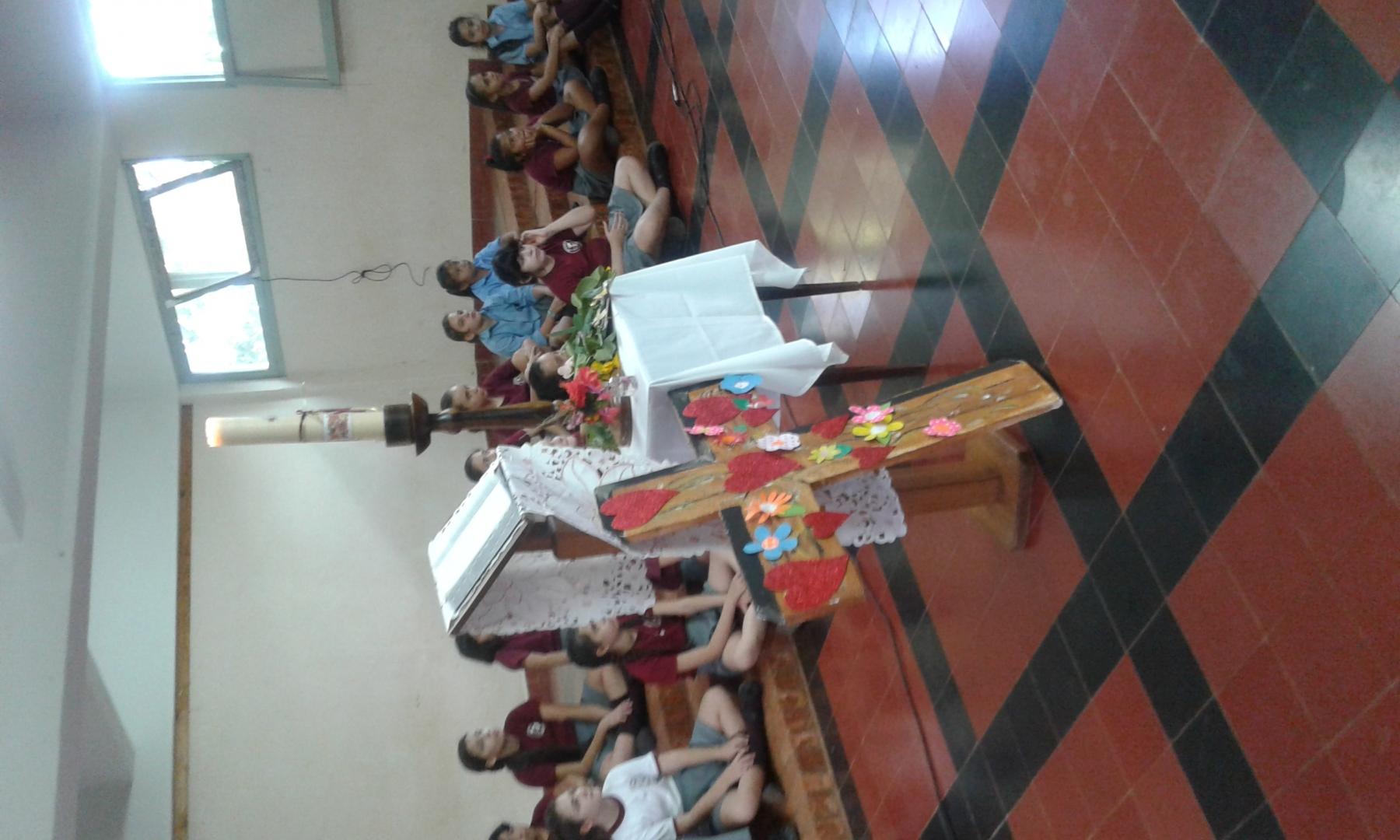 viernes-santo-en-inst-san-jos_39400077790_o